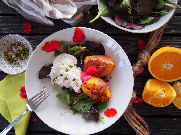 Gegrillte Pfirsiche und Burrata